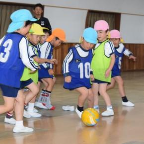 サッカーって楽しいな!